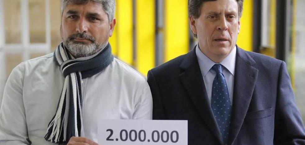 El padre de Diana Quer y el de Mari Luz presentan 2 millones de firmas a favor de la prisión permanente revisable