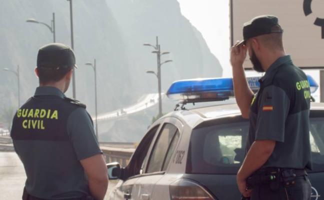 Auxilian a una copiloto en parada cardiorrespiratoria cuando viajaba por la carretera de El Cañarete