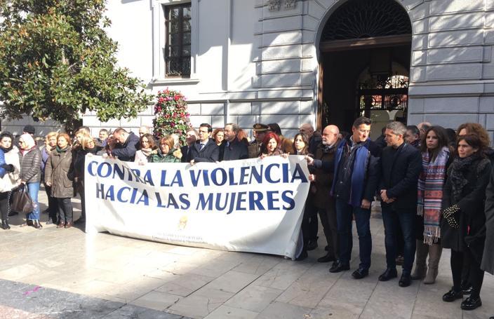 Granada guarda silencio y condena el asesinato de una vecina de Guadix a manos de su marido