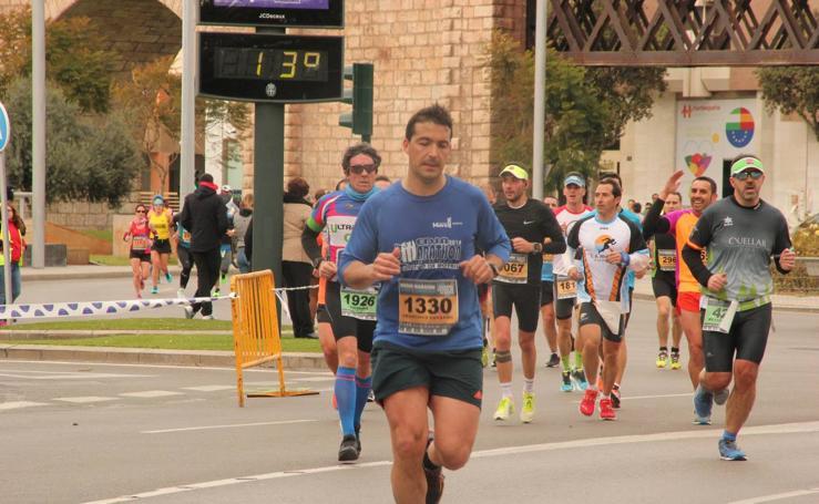 La Medio Maratón 'Ciudad de Almería', una sólida manifestación deportiva para los 'sin nombre'