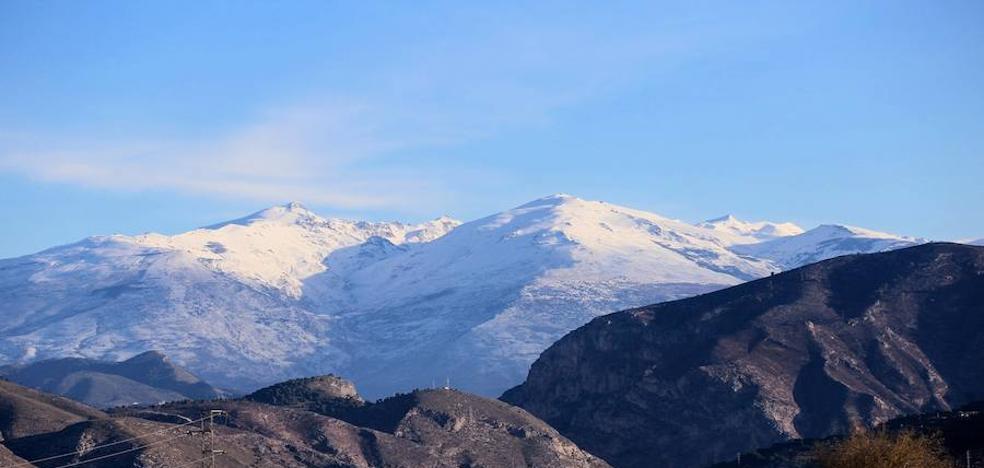 Reabre el Puerto de la Mora mientras siguen cortadas otras dos carreteras en Granada