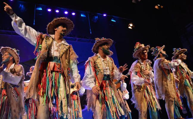 'La esclavitud' y 'Los que se conservan bien' se hacen con el Carnaval de Almería