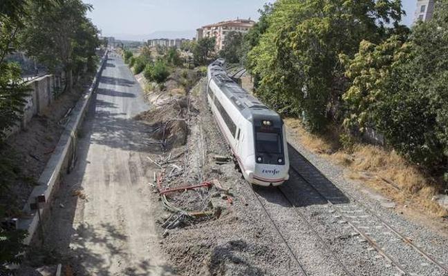 Fomento prevé el cambiador de ancho pero no hay trenes disponibles para los viajes a Almería
