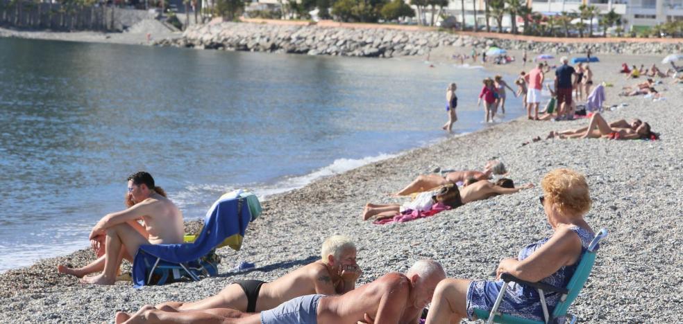 Las playas de Granada tienen la peor nota de Andalucía pero consiguen su mejor valoración en una década