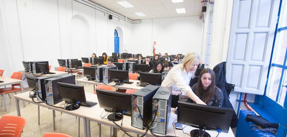 Las carreras del 'ladrillo' necesitan 'followers' en la Universidad de Granada