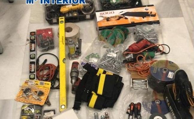 Detenido en Granada el presunto autor de tres robos en inmuebles en obras y un almacén forzando la ventana