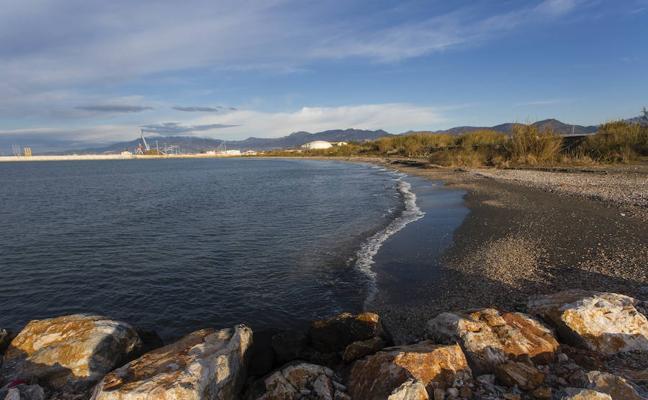 Motril plantea crear una reserva natural en su playa más salvaje