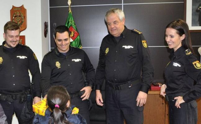 La emotiva carta de una niña a los policías que evitaron que fuera secuestrada en Alicante