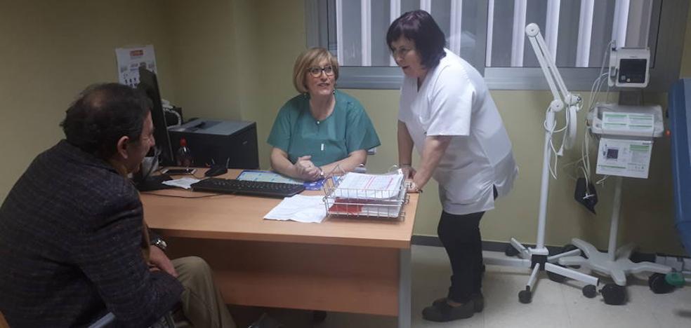 El nuevo hospital de Neurotraumatología atiende a unas 300 personas en el primer día de consultas de Traumatología