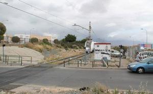 Adif expropiará 35 fincas para construir la plataforma del AVE a su llegada a Almería