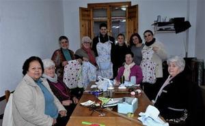 El Ayuntamiento de Lanjarón pone en marcha un taller de trabajos y manualidades para mujeres mayores