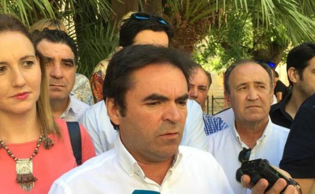 El alcalde de Porcuna pedirá una consulta popular para ver si sigue