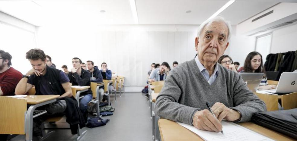 Miguel se va de erasmus a Italia a los 80 años