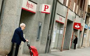 Santander cierra el ERE del Popular con 1.100 salidas, la mayoría voluntarias