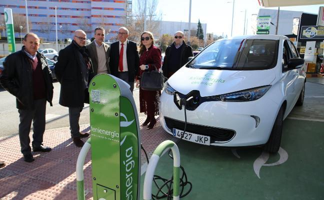 Primer punto de recarga de vehículos eléctricos en Jaén para un futuro más 'verde'