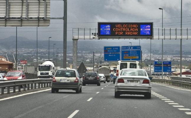 El radar de Circunvalación 'caza' dos infractores al día entre los 200.000 coches que pasan a diario