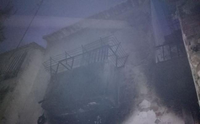 Incendio en el bajo de una vivienda de Jaén