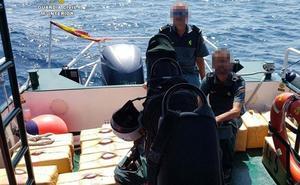 Detenidas 16 personas por introducir hachís desde Marruecos por la costa de Granada