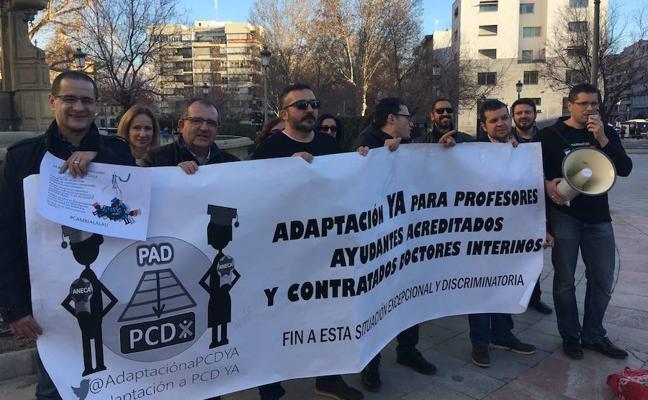 Profesores de la UGR vuelven a la calle para pedir igualdad de derechos del personal temporal y fijo