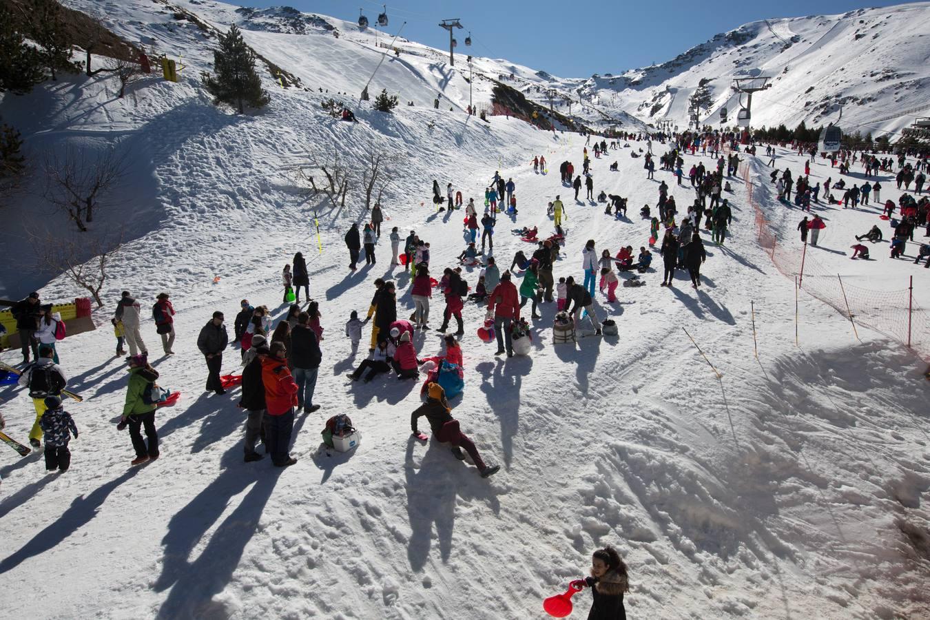 Sierra Nevada permanece cerrada este sábado por la huelga de remontes