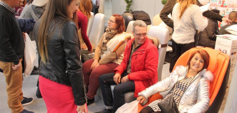 Rehábitat reúne a 43 empresas y escenifica la recuperación del sector del mueble
