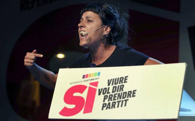 Anna Gabriel se refugia en Suiza y la CUP no aclara si irá al Supremo