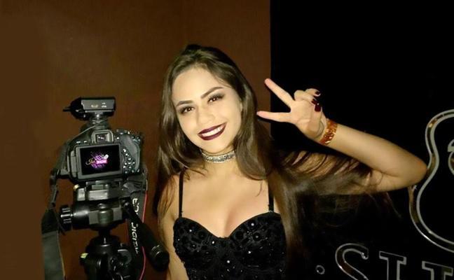 Asesinan a una famosa 'youtuber' con un disparo en la cabeza en presencia de su familia