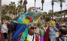 Un centenar de personas despiden el Carnaval de Almería con el tradicional Entierro de la Sardina
