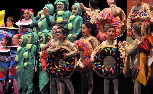 Los escolares superan con nota su participación en el Carnaval linarense