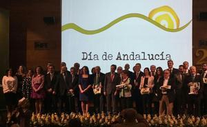 Ana Cobo anuncia las 'Banderas de Andalucía' jienenses