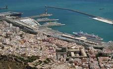 El puerto de Almería quiere reducir sus emisiones de gases contaminantes