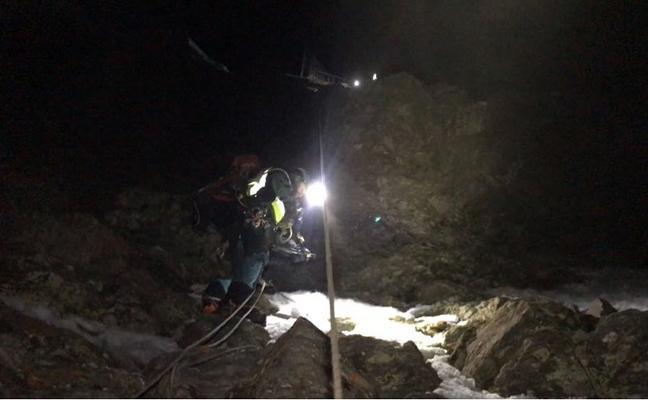 Rescatados cuatro alpinistas que intentaban ascender hasta el Veleta