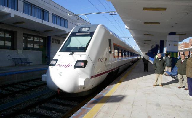 El comité de Adif alerta de que unas obras dejarán sin tren a la capital y recuerda el caso de Granada