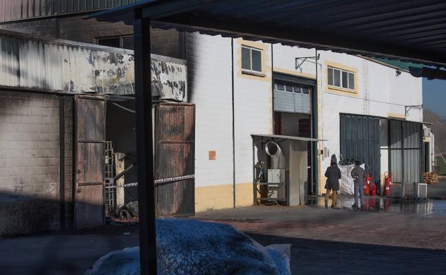 Las imágenes de la fábrica de bolsas de Santa Fe tras el incendio