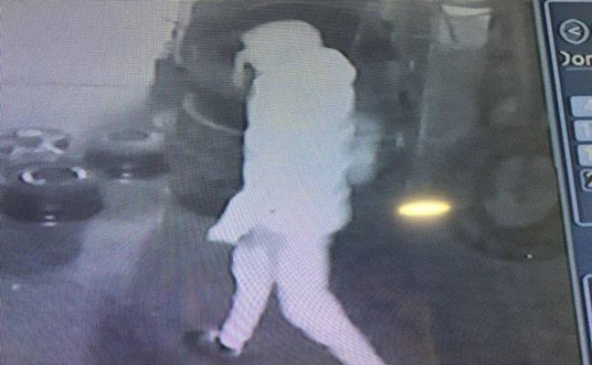 Asaltan un depósito judicial en Pinos Puente para robar un coche y se lo llevan con sus propias llaves
