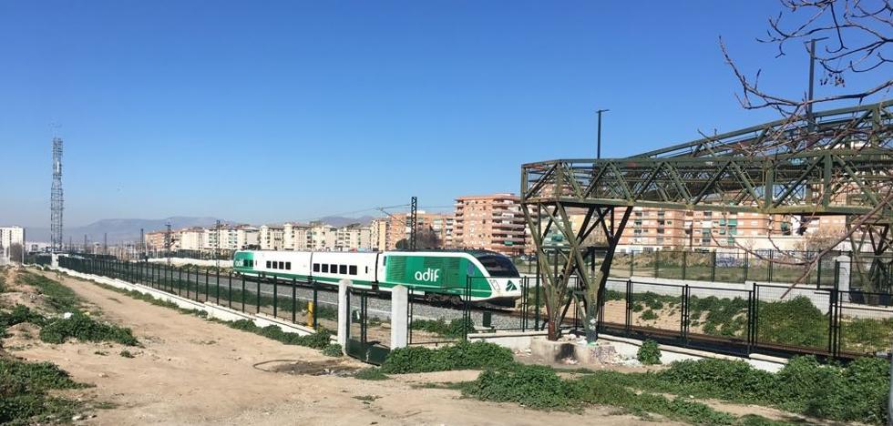 El tren laboratorio de Adif vuelve a Granada ochenta días después circulando en pruebas por la vía del AVE