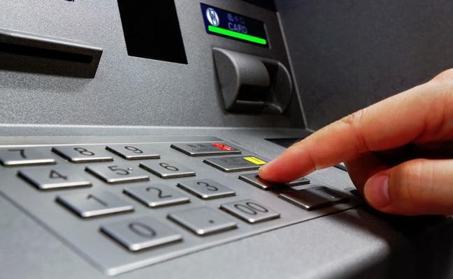 El número que no debes marcar: la Policía Nacional desmiente la gran mentira de los cajeros y las tarjetas