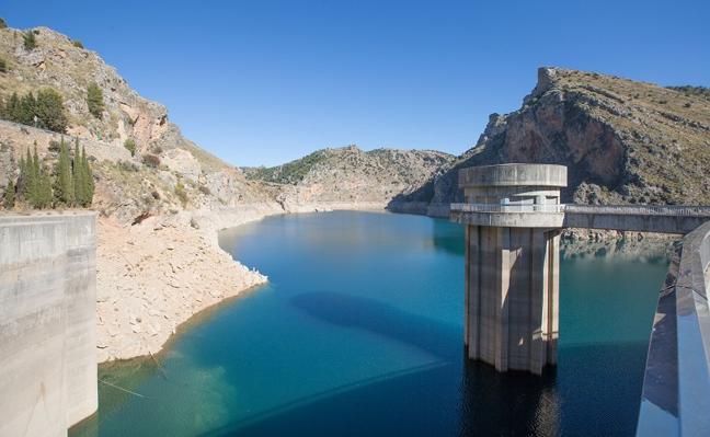 La Junta prevé restricciones al regadío en Andalucía si no llueve mucho en primavera