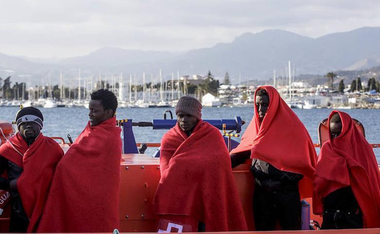 El rescate de los 23 subsaharianos que han llegado a Motril, en imágenes
