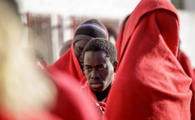 Rescatados en buen estado los 23 migrantes subsaharianos rescatados en el mar de Alborán