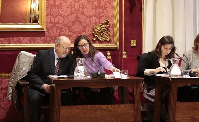 """El alcalde pide a 'Vamos, Granada' """"un acuerdo"""" sobre su portavoz para """"dedicarse a los granadinos"""""""