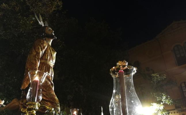 Vía Crucis de las cofradías en la Catedral