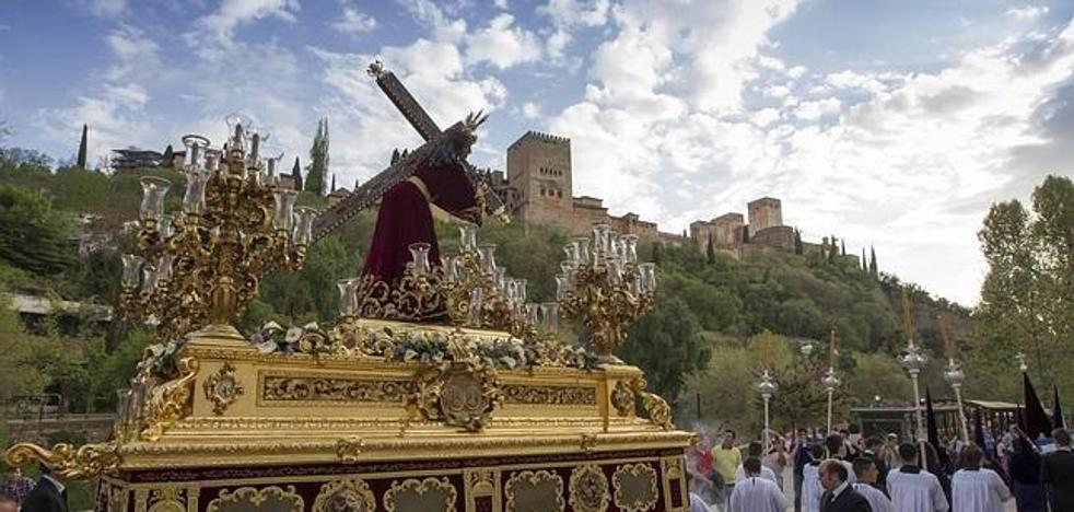 Procesiones este fin de semana en Granada: horario, cortes de tráfico y autobuses