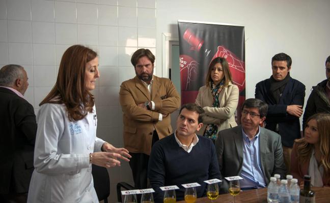 Rivera asegura que no se ha reunido con los críticos del PP pero abre el partido al «talento»