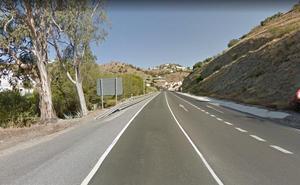 Fallece un conductor al salirse de la N-340 en Almuñécar