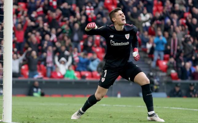 Kepa da aire al Athletic y entierra un poco más al Málaga