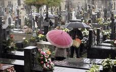 Muere al caerle una lápida en la cabeza en el cementerio de Santiago