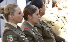 Defensa estudia bajar 5 centímetros la altura exigida a las oficiales de las Fuerzas Armadas