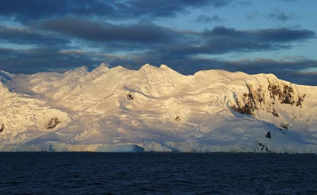 Científicos de la Universidad de Granada viajan a la Antártida para estudiar su actividad sísmica