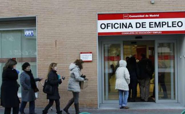 Pierde la prestación por desempleo porque su hija encuentra un trabajo en el que cobra 585 euros